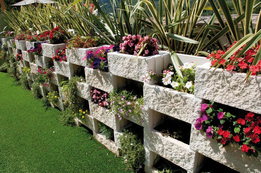 Terrazas jardines y piscinas for Bloques decorativos para jardin